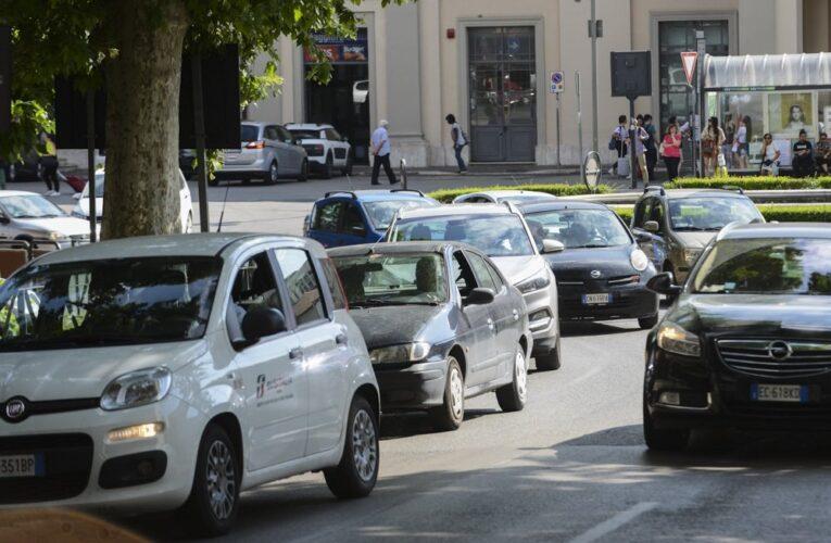 Allarme Pm10, Legambiente: «Aria irrespirabile a Terni e Perugia per il traffico, a Città di Castello per le stufe»