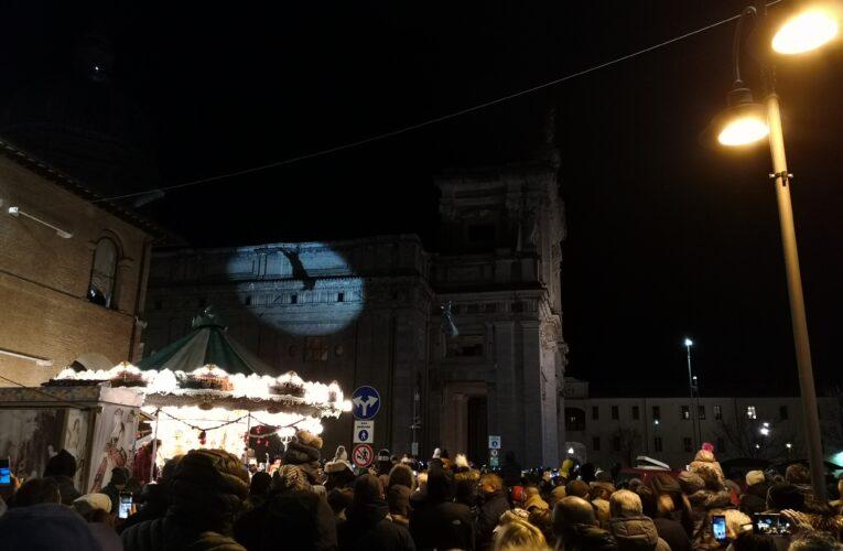 Assisi: grande successo per la Befana scesa dal Cupolone