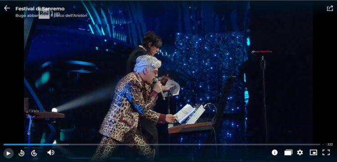 Clamoroso imprevisto al Festival di Sanremo, Bugo abbandona improvvisamente il palco durante l'esibizione. Il Video.