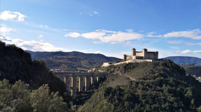 La rocca Albornoziana, simbolo predominante sull'intera valle Spoletina.