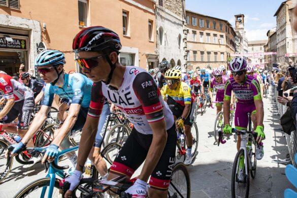 Perugia in rosa per dare il via all'undicesima tappa del Giro D'Italia